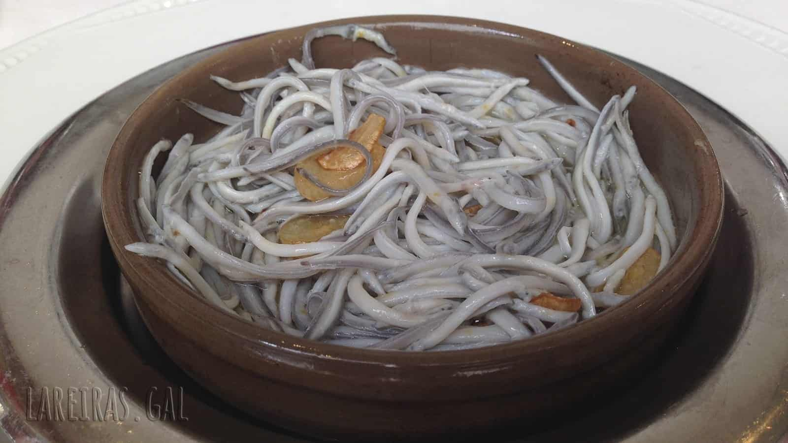 Elvers in garlic