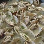 Clams in Ribeiro wine