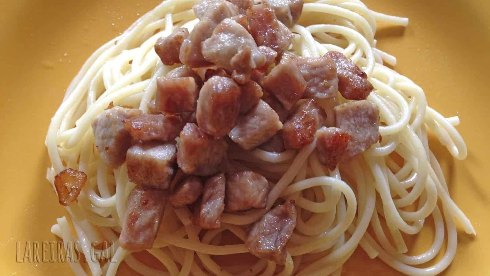 Spaghetti with pork loin