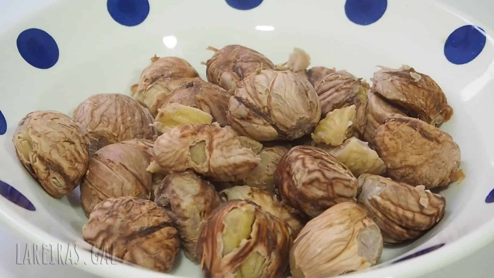 Boiled chestnuts