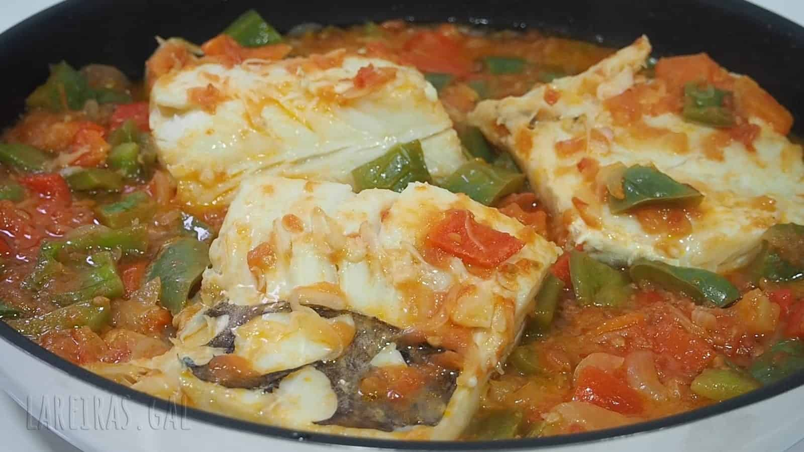 Cod with peppers and tomatoes