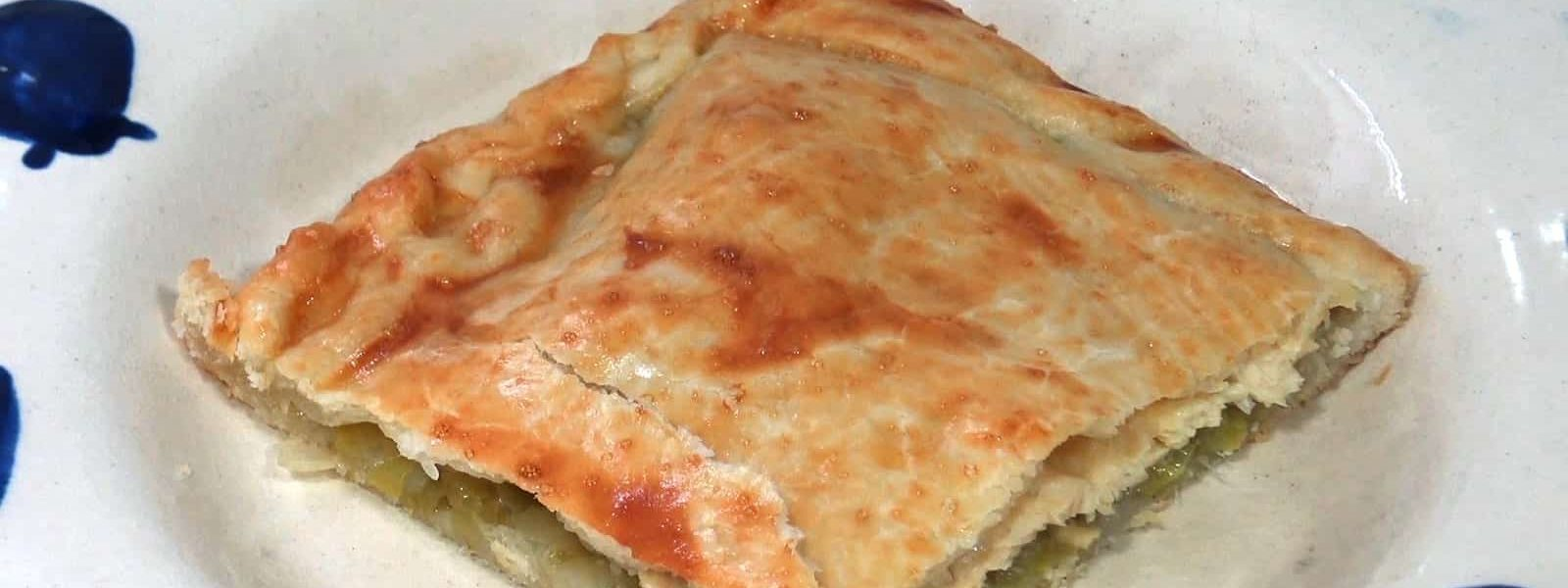 Quick empanada of chicken and leeks